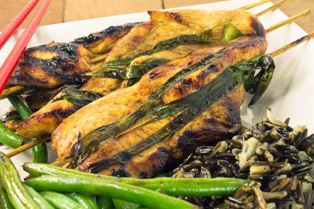 Курица якитори с зеленым луком