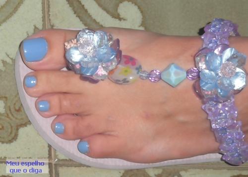 sandália decorada com miçangas