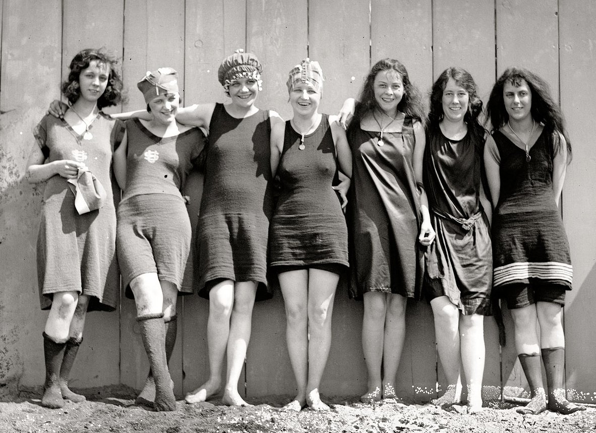Vintage swimsuits tumblr