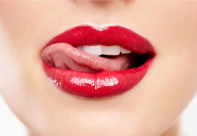 Cara Ampuh Memerahkan Bibir dengan Pasta Gigi Odol