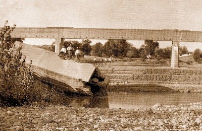 Restos del antiguo puente-sifón y nuevo acueducto (1927)