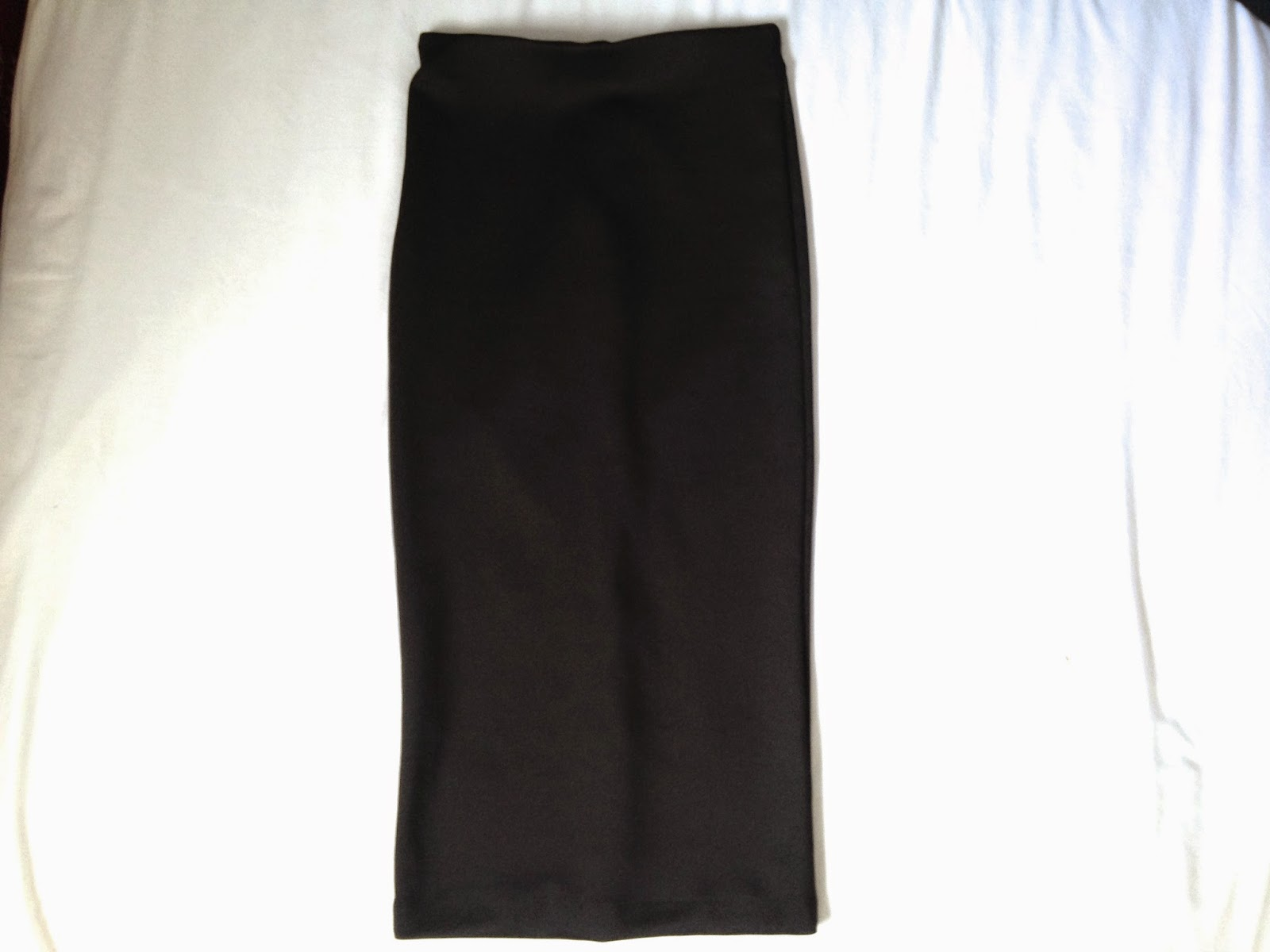 A Picture of H&M Black Pencil Skirt