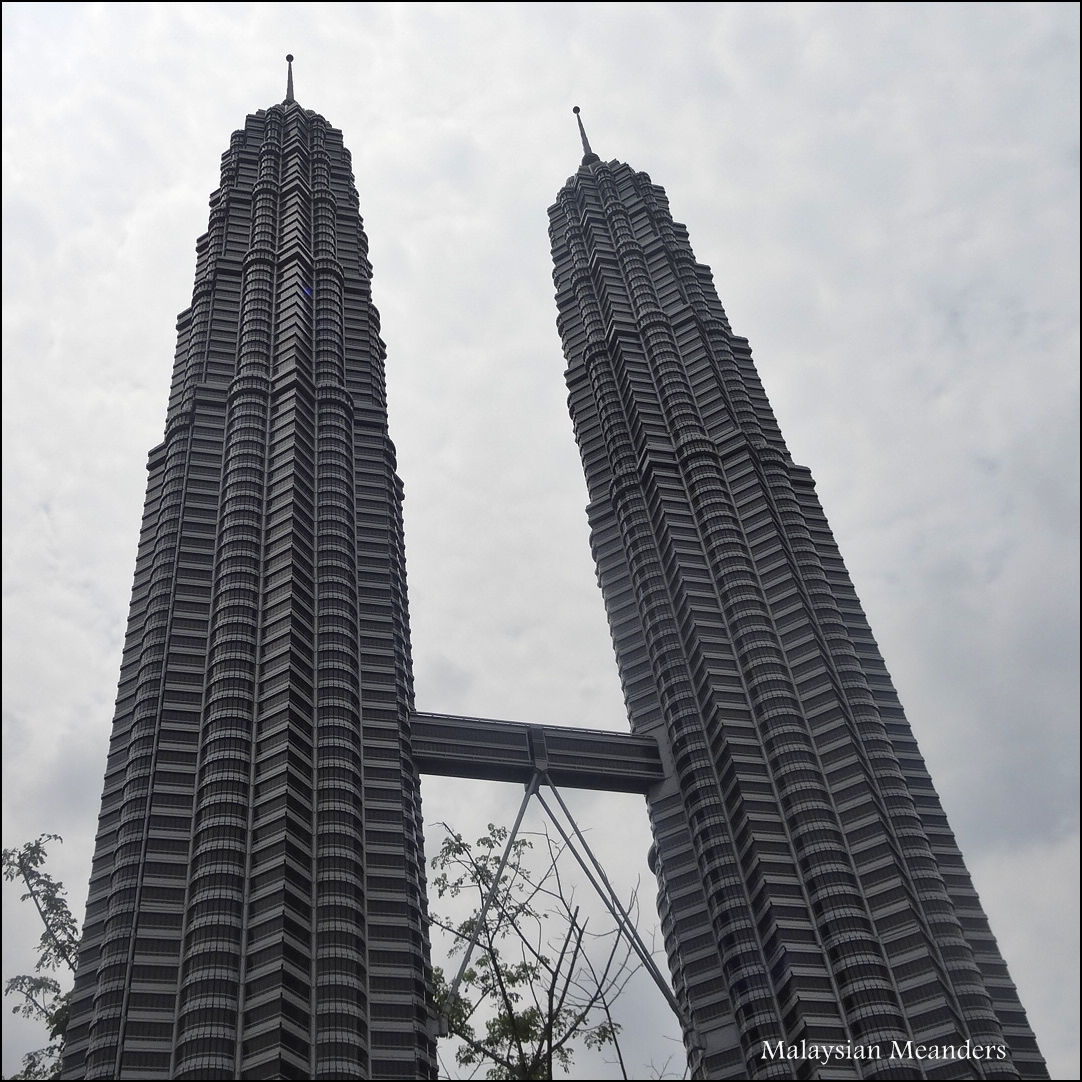 Malaysian meanders asian landmarks at legoland malaysia for Asia famous buildings