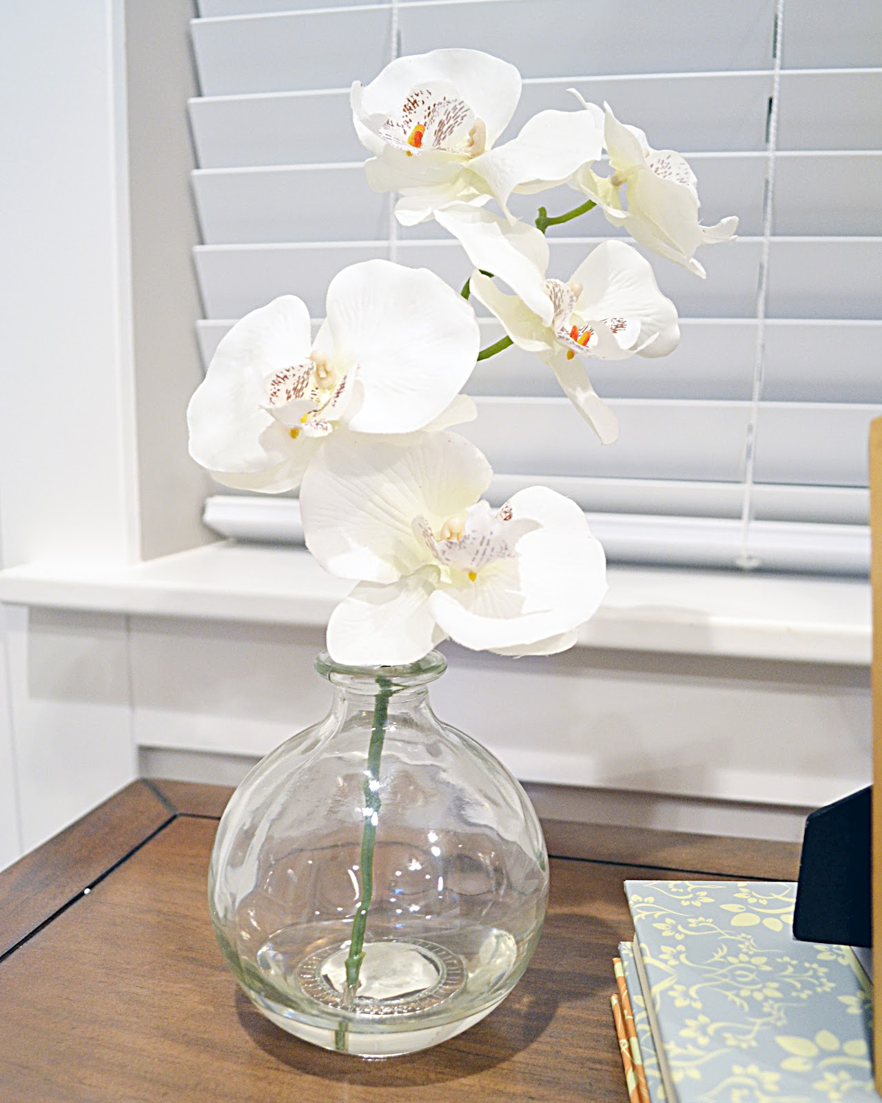 Quick changegold dipped vase sita montgomery interiors i simply taped of the bottom of the vase with painters tape and applied the antique gold rub n buff with a white cloth the whole thing took about 5 reviewsmspy