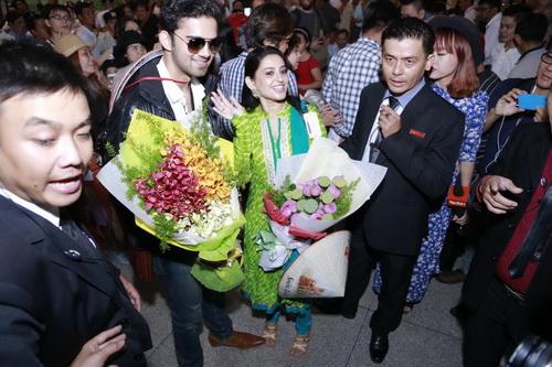 Nữ diễn viên Smita Bansal xuất hiện với trang phục truyền thống đầy quyến rũ. Cô thu hút sự chú ý bởi nụ cười tỏa nắng cùng vẻ ngoài mặn mà.