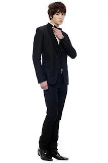 Lee Jong-Hyun como Colin