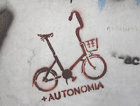 autonomía, bicicleta, grafitti