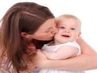 Hati-hati, Berciuman Bisa Tularkan Penyakit Herpes