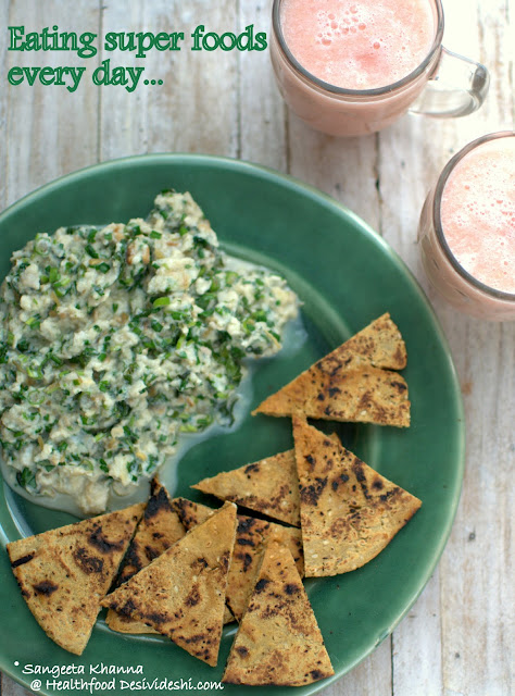 egg scramble with garlic chives and sorghum flour pita bread recipe | desi super foods for everyday