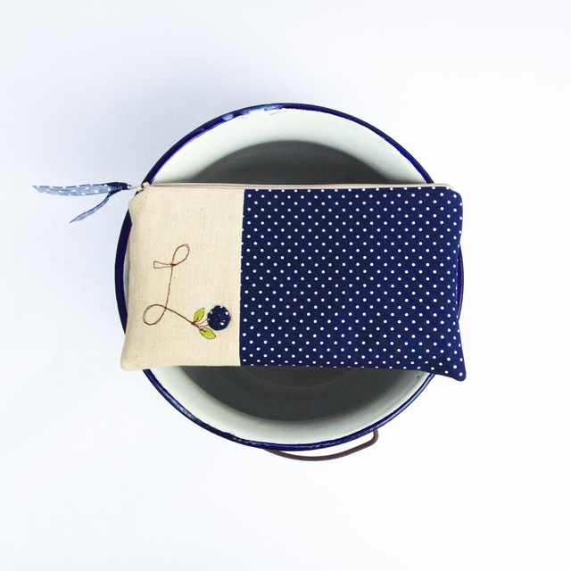https://www.etsy.com/listing/179124914/navy-blue-wedding-clutch-personalized?ref=shop_home_active_4&ga_search_query=navy%2Bblue
