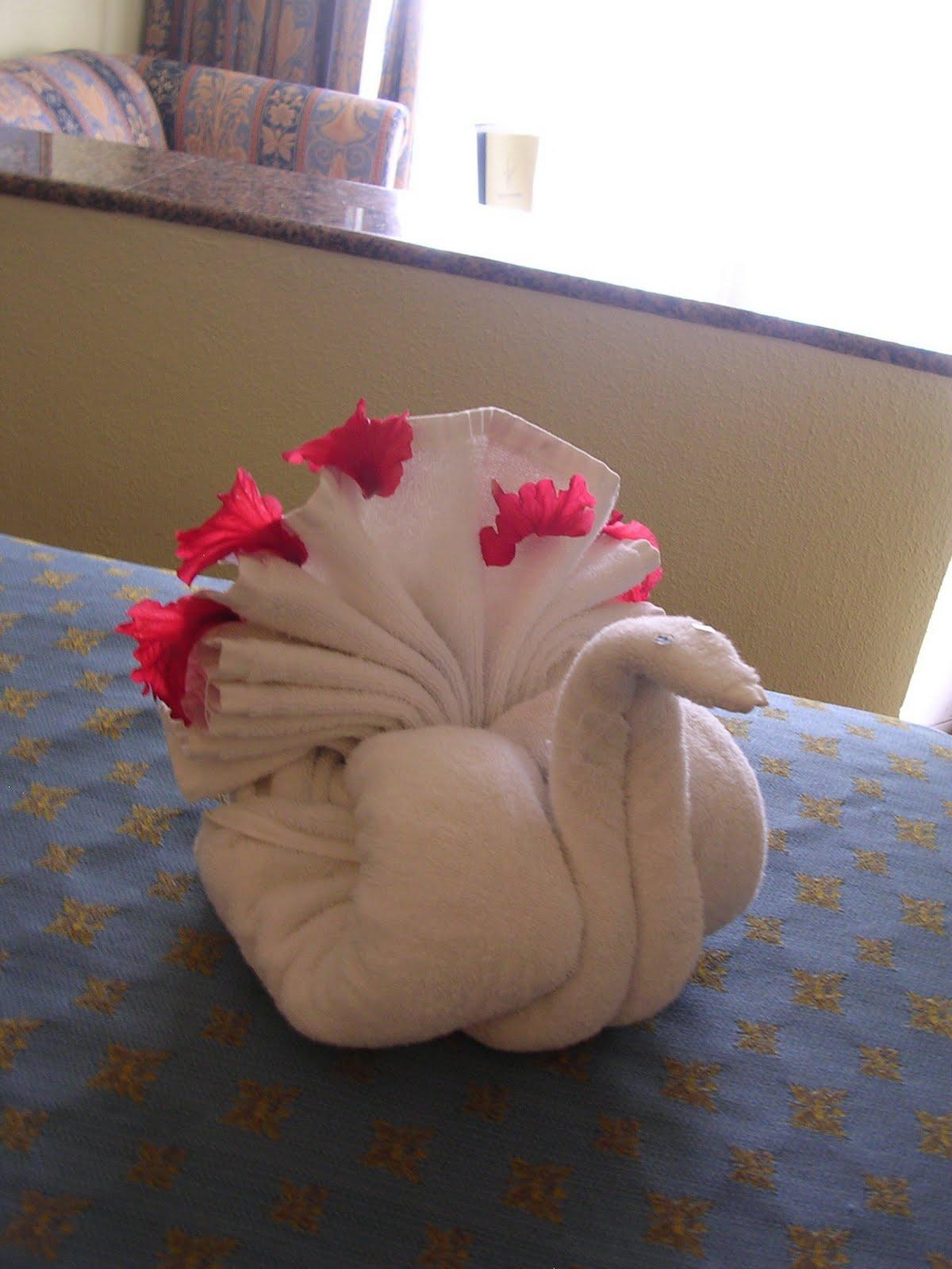 Aniversario simply 2011 el origami for Adornos con toallas