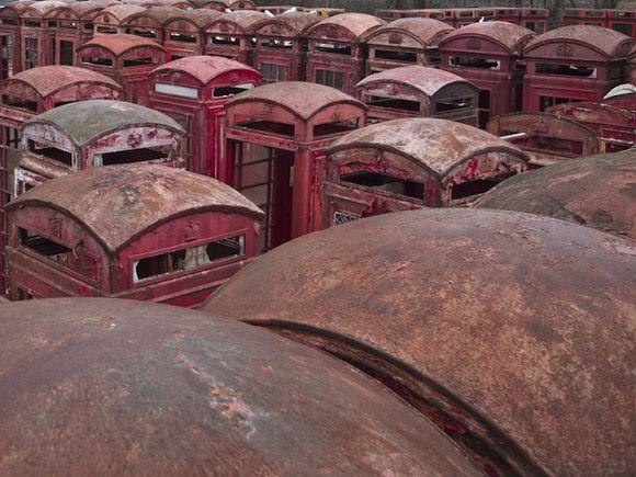 9 Kuburan Terunik di Dunia - Kuburan Booth Telepon Umum, Inggris