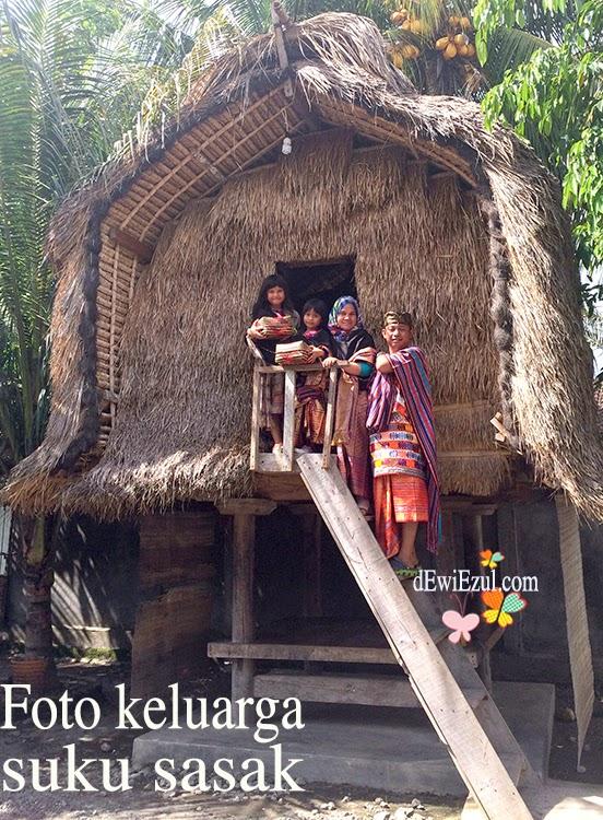 foto dengan baju adat sukarare lombok,dzarifa