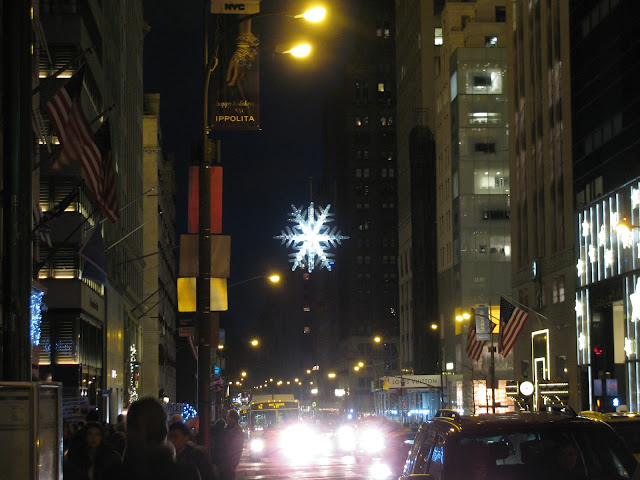 Christmas-Star/Snowflake-57th-Street-and-5thAvenue-Manhattan
