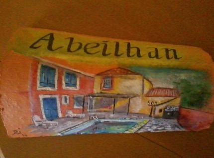 Peinture sur une tuile