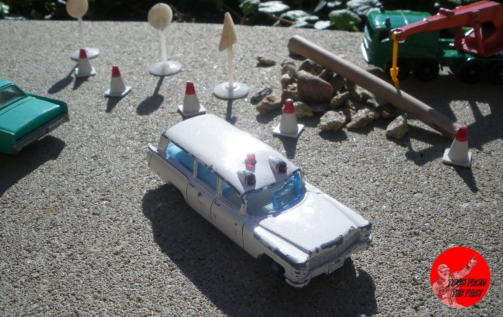 toys from the past 09 01 2012 10 01 2012 nr 54 the cadillac s s ambulance was the first american ambulance released by matchbox in the 1 75 catalogue coexisted a bedford ambulance