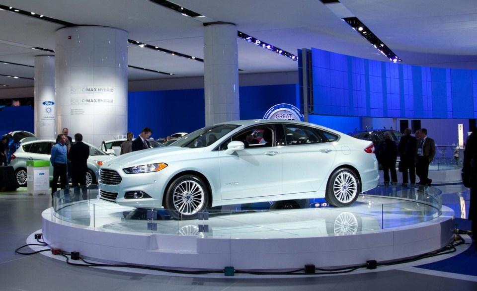 ford fusion hybrid problems