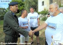 """פגישה מרגשת של חברי המשלחת עם מפקד מחנה """"חיידרי"""" הקולונל ניקוס"""