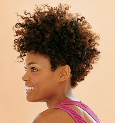 http://1.bp.blogspot.com/-As1IbBM978k/TetOW8dgdII/AAAAAAAAE-4/g_xDjX6LS9E/s1600/short_curly_black_hairstyles_curly-afro_fullDerrick+Scurry.jpg