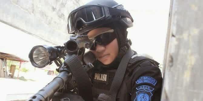 Inilah Dia Snipper Cantik Asal Polda Aceh Yang Banyak Di perbincangkan Di SOSMED