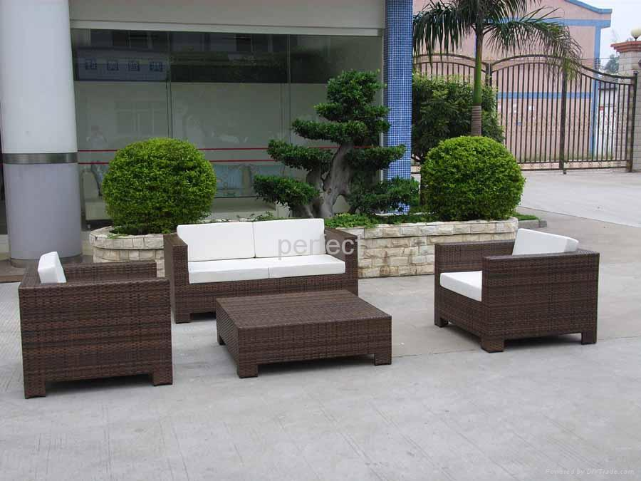Perfect garden furniture outdoor furniture patio for Outdoor furniture wicker