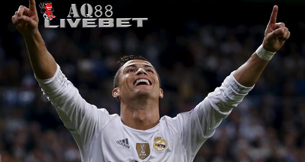Liputan Bola - Cristiano Ronaldo tampil memikat bagi Real Madrid saat menghadapi Shakhtar Donetsk di laga pembuka Grup A Liga Champions yang berlangsung di Estadio Santiago Bernabeu,