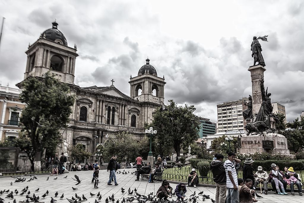 Catedral Basílica Menor de Nuestra Señora de La Paz, vista desde la Plaza Murillo