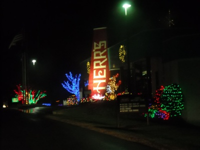 tonight a couple of ladies from the tidewater went to the herrs potato chip factory in hanover pennsylvania to see their christmas light display