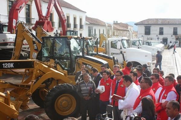 Luego de la Bendición, 51 máquinas se desplazaron a reparar las vías de Boyacá