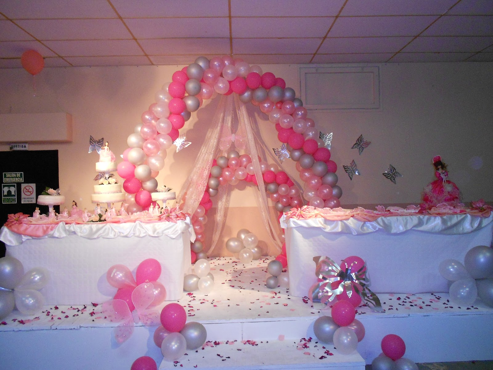 1000 images about arreglos de globos on pinterest On arreglos de quinceanera