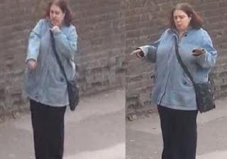 Mulher dança sozinha em ponto de ônibus e vira hit na web