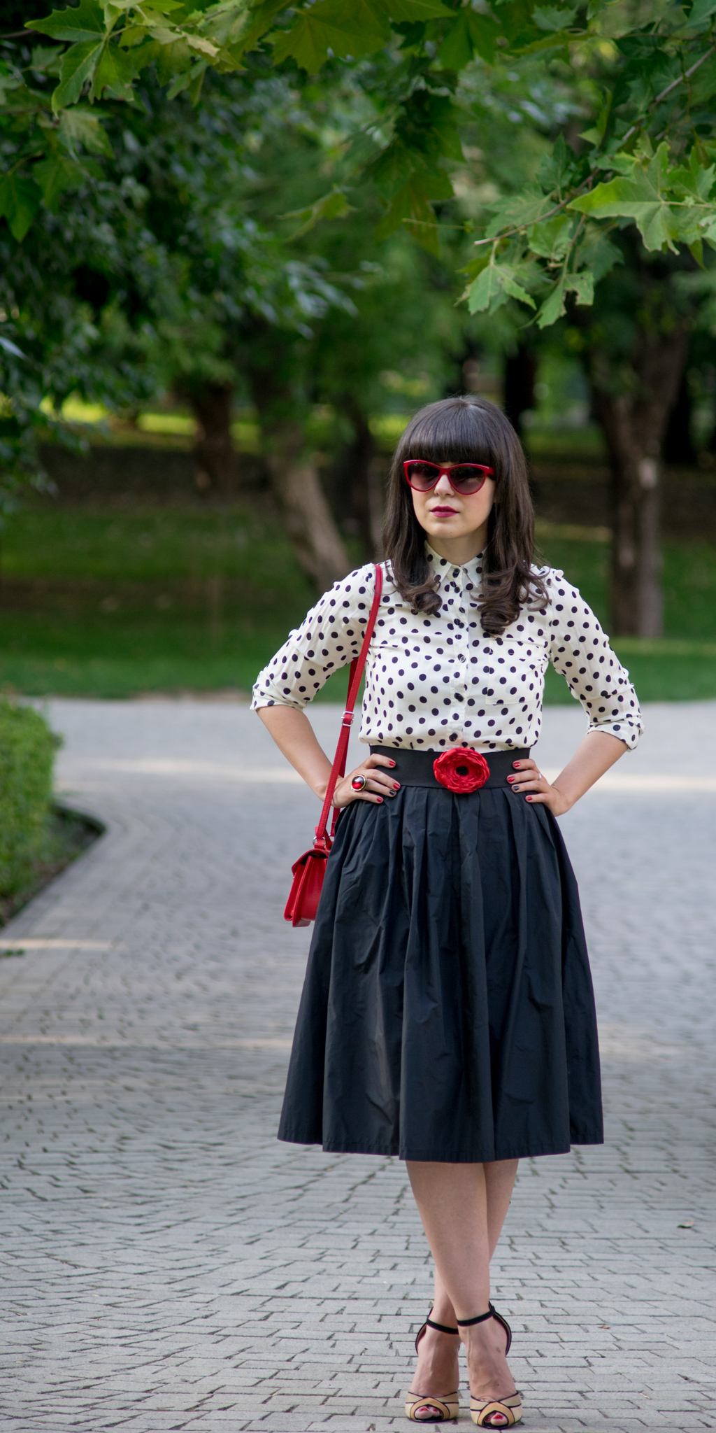 50s vibe black puffy skirt dotted shirt new look dots poppy handmade belt nude sandals red bag H&M cat eye glasses