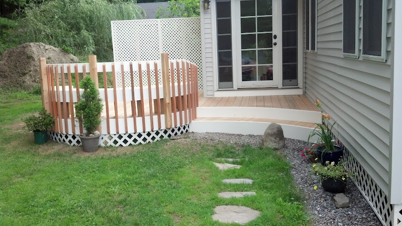 Entry stairs to the mud room with a slight radius title=