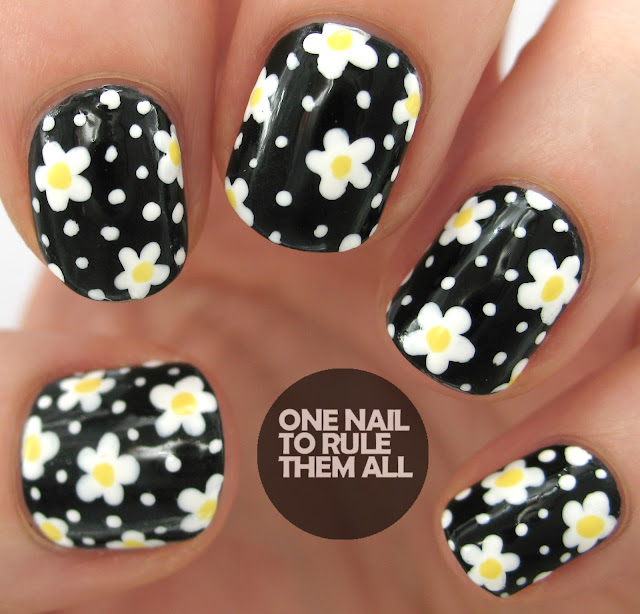 Daisy Black and White Nails