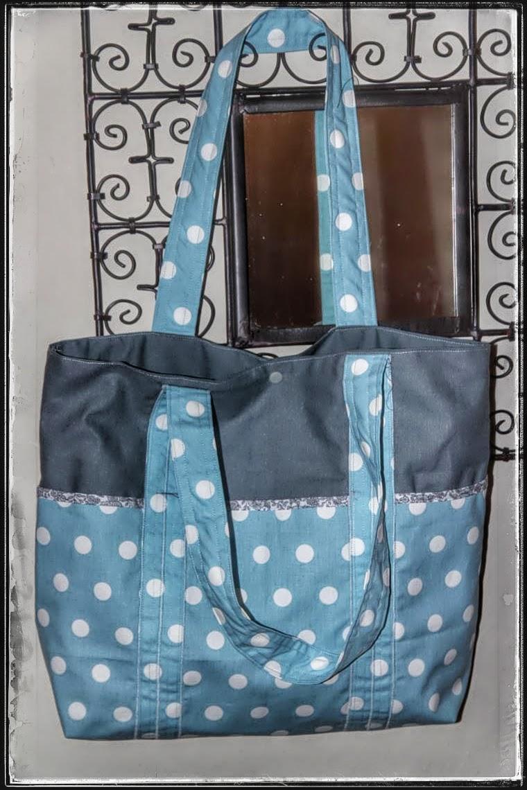 laisse luciefer les petits secrets couture le pratique sac cabas multi poches. Black Bedroom Furniture Sets. Home Design Ideas