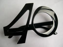 Bentuk-Bentuk Kacamata Unik