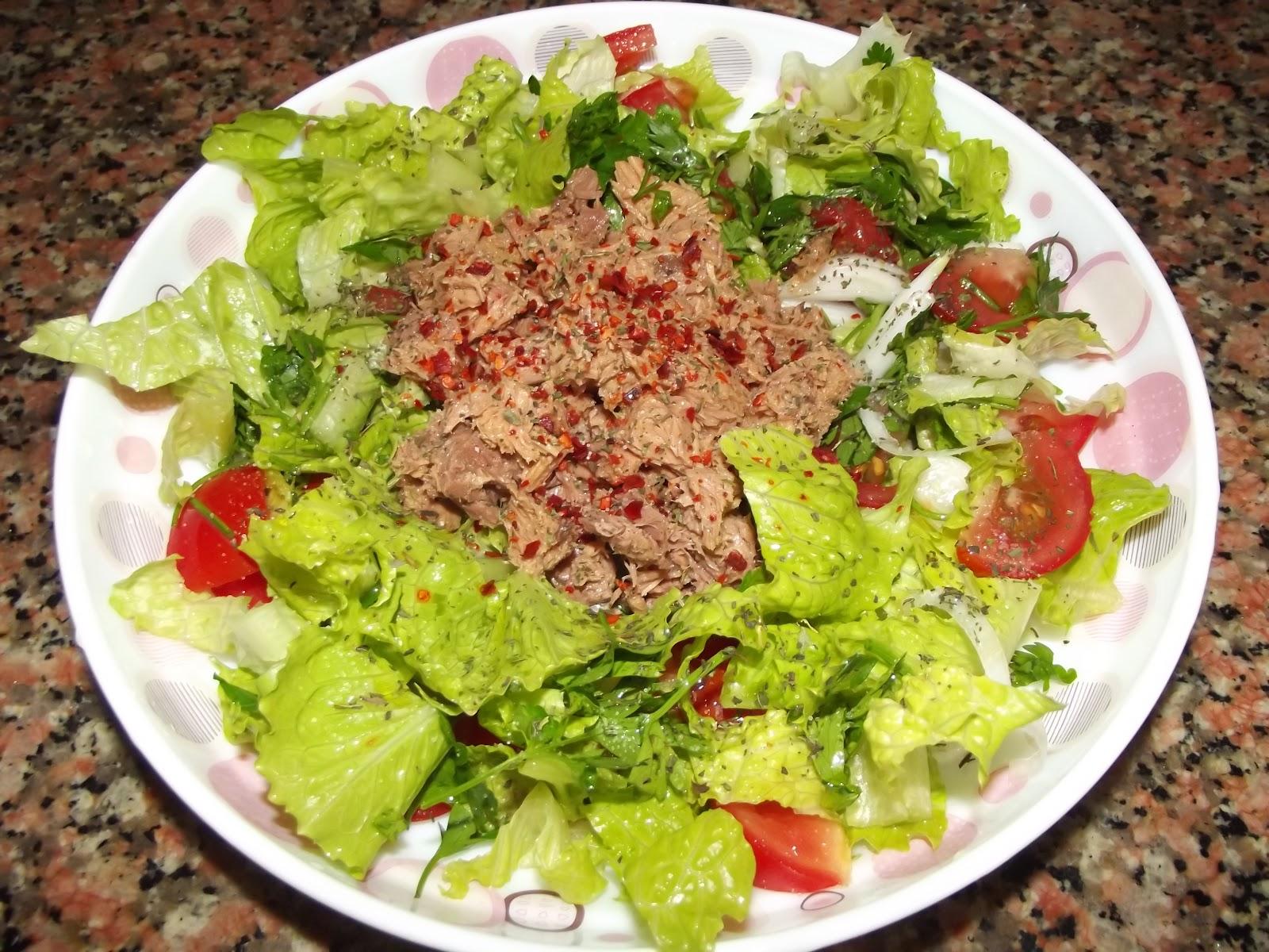 Bu sıcakta ton balıklı salata çok güzel olurdu