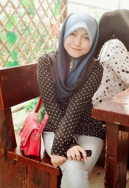 Koleksi Gambar Hot Awek Melayu Yang Masih Available