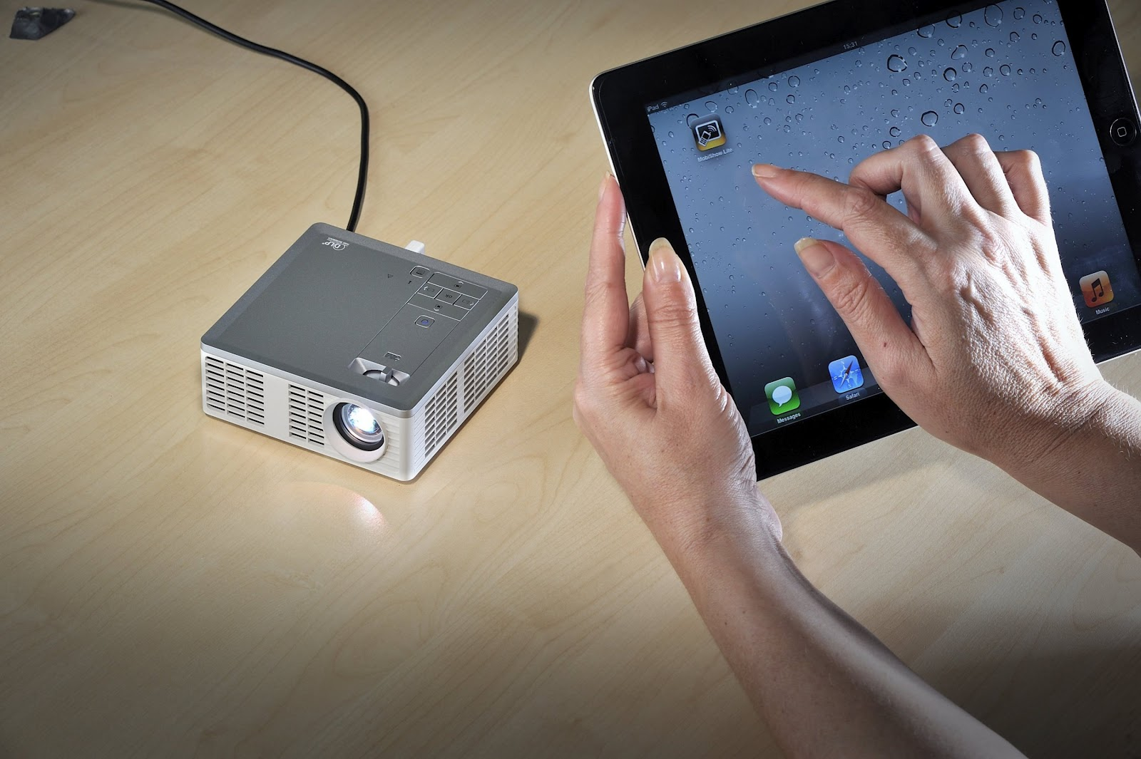 August 2012 for Ipad mobile projector