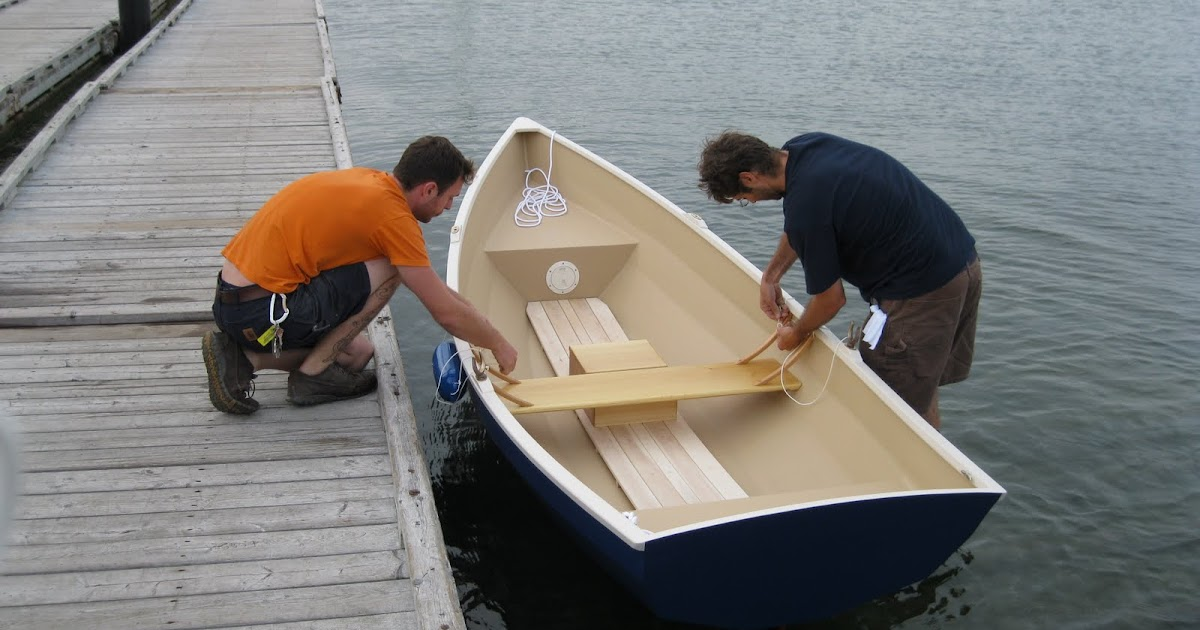 Clint Chase Boatbuilder : New Stitch and Glue Dinghy