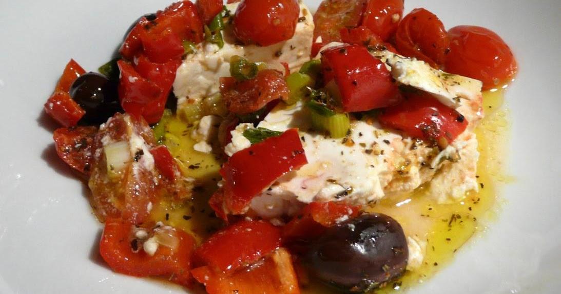 Schafskäse mit Cherrytomaten und Kalamata-Oliven
