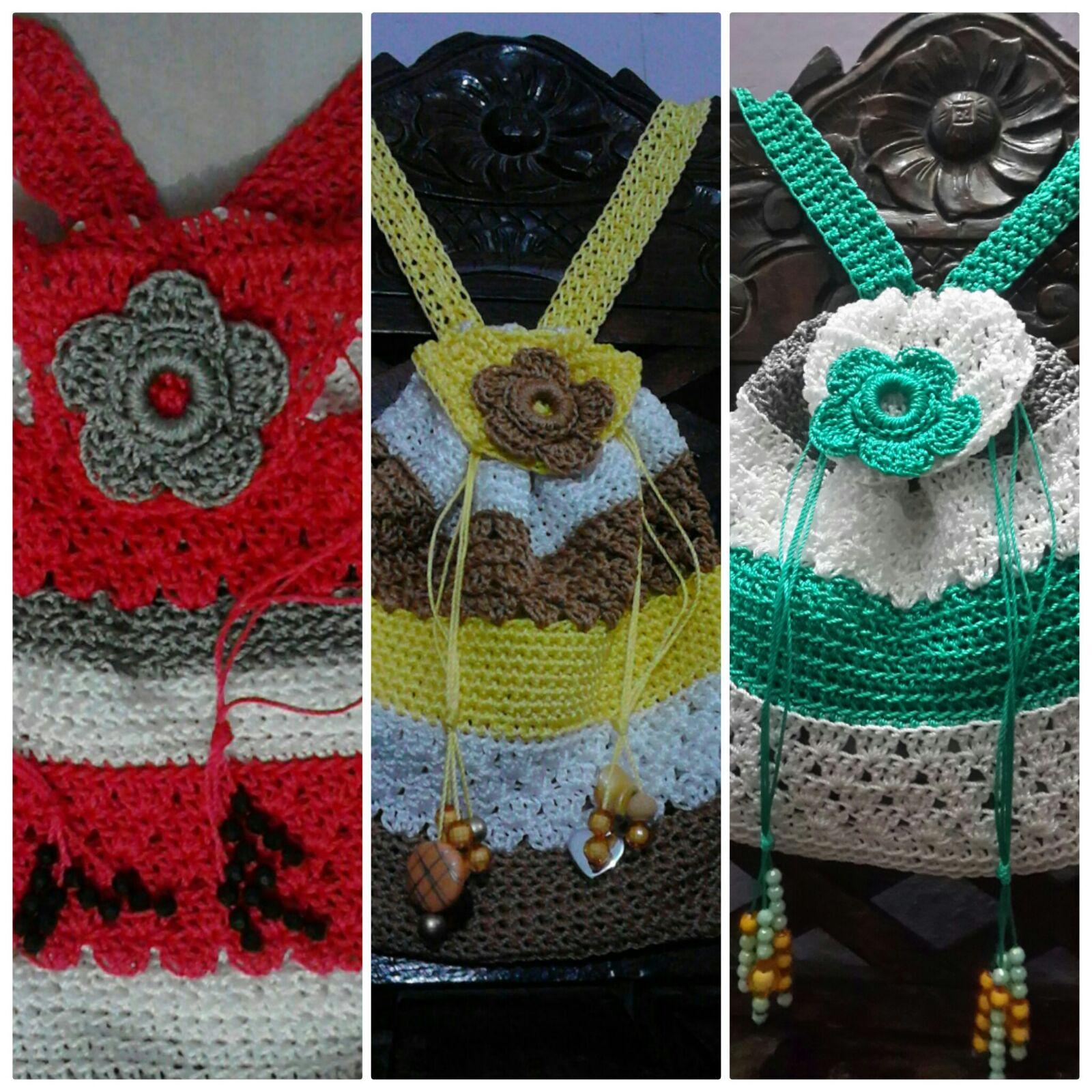 Bolso tejido al crochet en Hilo de Nylon, cuentas como adorno, con varios contornos.