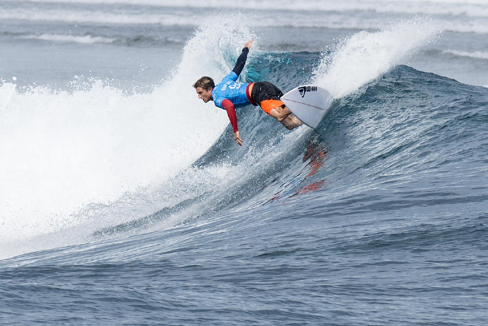 21 Matt Banting Fiji Pro 2015 WSL Stephen Robertson