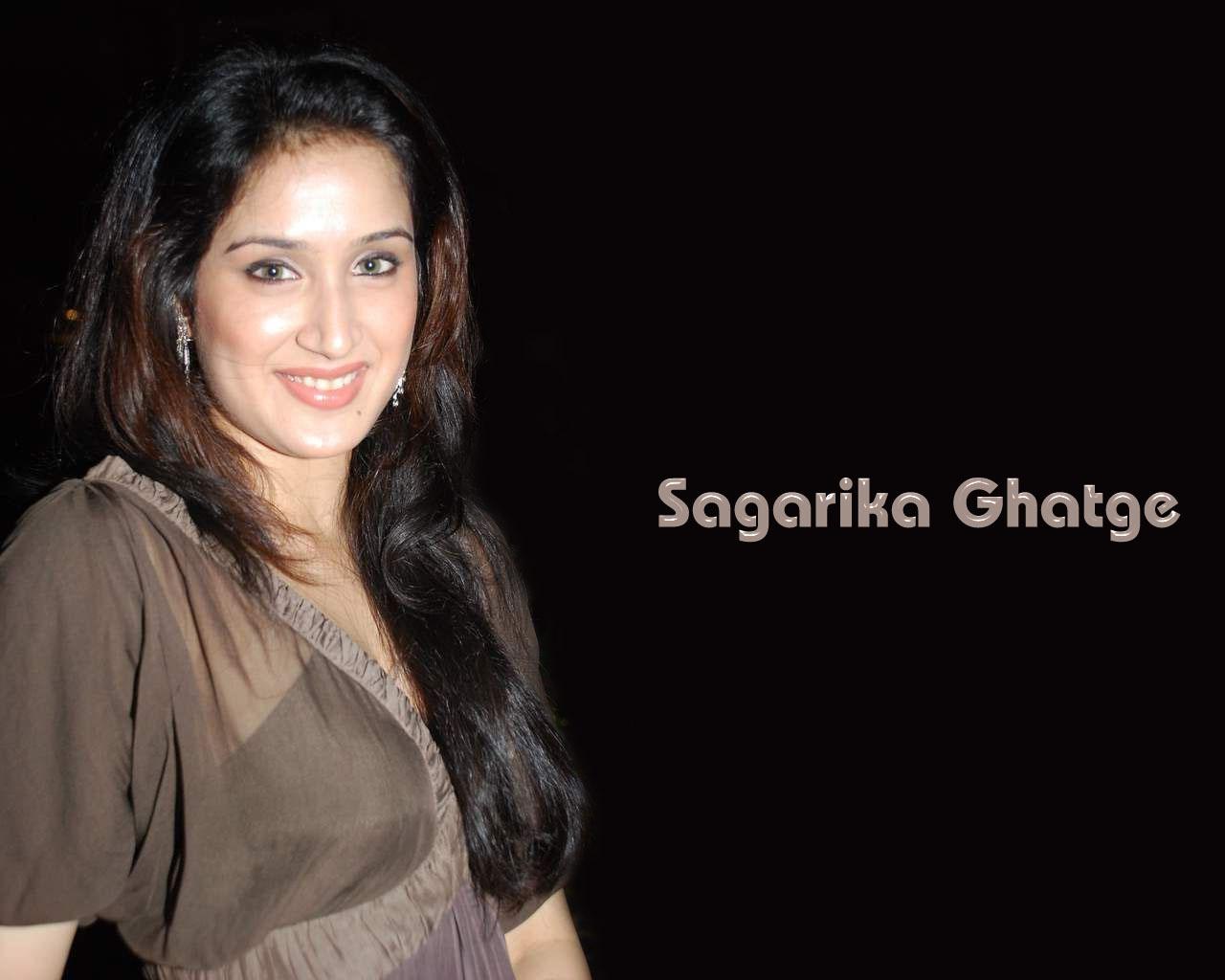 http://1.bp.blogspot.com/-AtiCLJeGY20/Ta5risPwWLI/AAAAAAAAC2Y/w6DKHwaIvUo/s1600/sagarika-ghatge-wallpapers-1.jpg