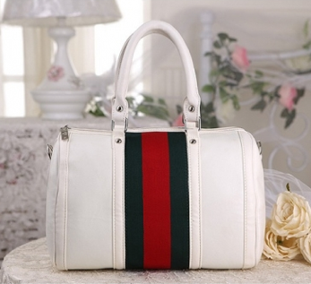 http://www.handbagwholesale.my/index.php?route=product/product&path=312_440&product_id=11737