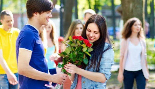 Empat Alasan Cinta Pertama Susah Dilupakan