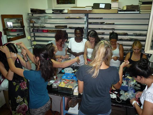Η Νέα Ακροπολη στην Αθήνα: Ανοιχτό εργαστήριο κατασκευής κοσμημάτων