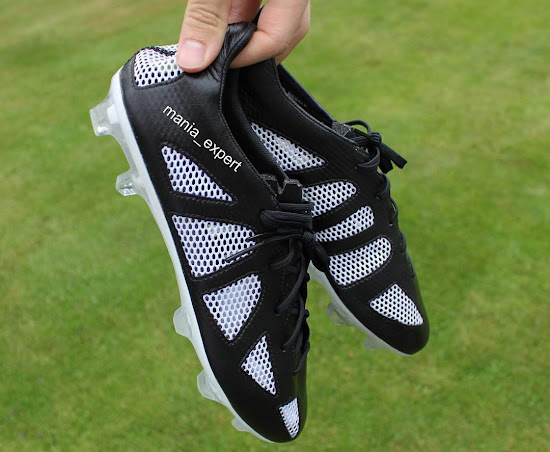 [Imagen: Mystery-Adidas-Boots%2B%25282%2529.jpg]