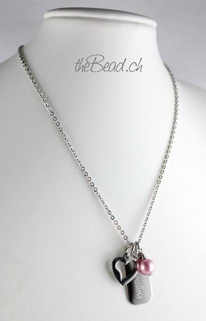 Kette mit Gravur Namensanhänger, Perle und Herzchen