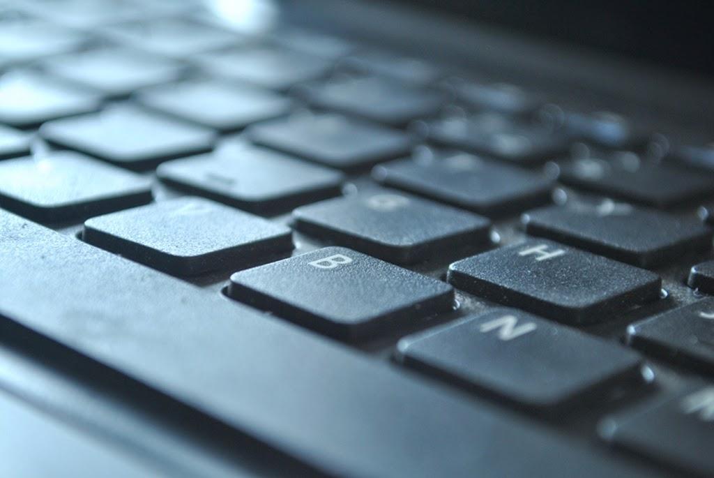Menghindari Keyboard Laptop Agar Tidak Terlihat Kotor